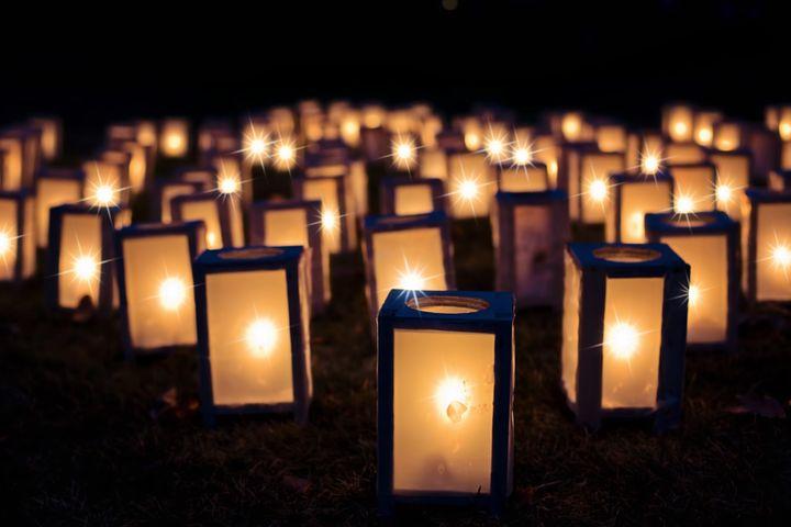 lights-1088141__480